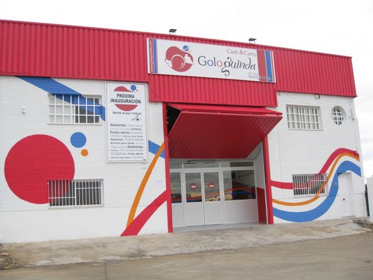Fachada para empresa GOLOGUINDA, tras aplicación del diseño